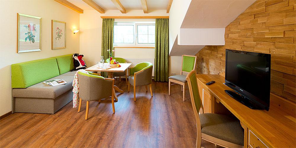 Familienhotel, Viersternehotel, Kinderhotel, belebt, belebte Bilder, Menschen, Modelle, Hotelfotografie, Hotelfotograf, Hotelfoto, Hotelfotos.