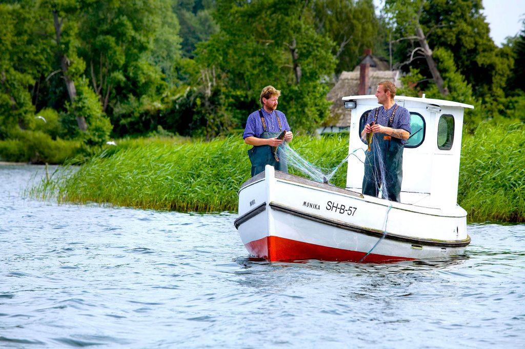Schleswig-Holstein, Holsteinische Schweiz, Binnenfischerei auf dem Selenter See. Foto: Ingo Wandmacher
