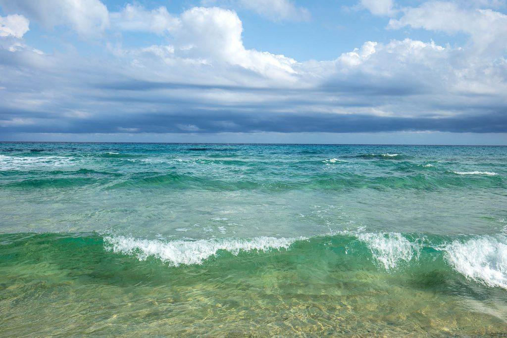 Italien, Sardinien. Mittelmeerstrand an der Costa Rei. Ein Küstenabschnitt an der Ostküste der Insel