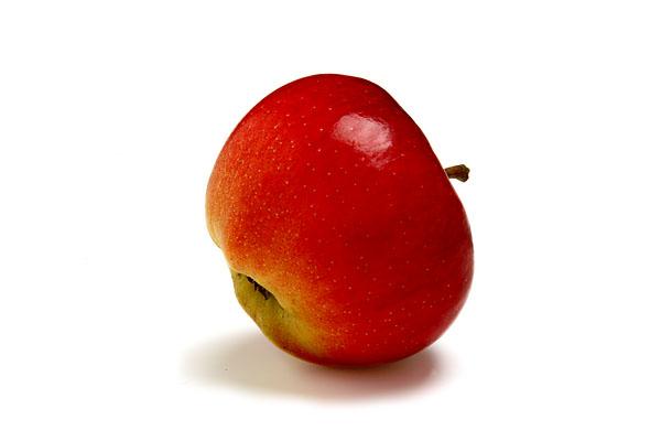 Raritäten mit Biss, Food, Alte Apfelsorte: Roter Altlaender Pfannkuchenapfel.